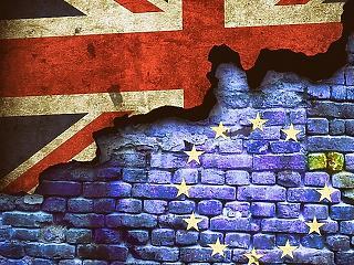 A fontot öt-, az eurót kéthavi csúcsra vitte a Brexit-deal