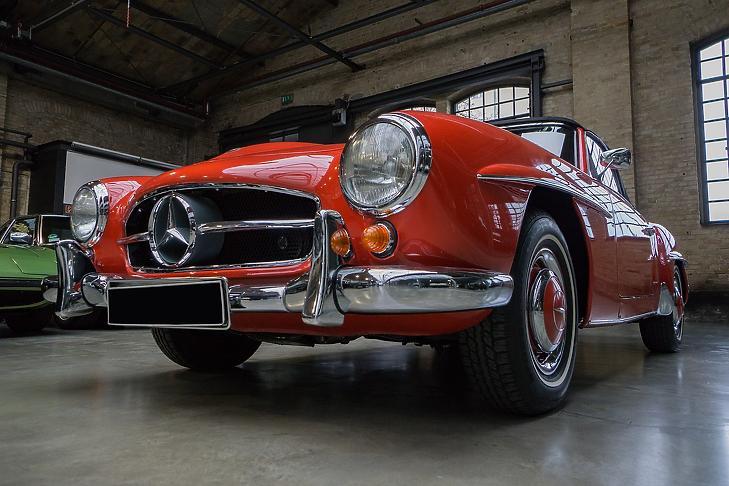 Mercedes Benz (Pixabay)