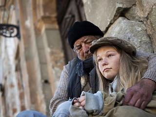 200 év sem lenne elég egy szegény családnak Magyarországon, hogy felkapaszkodjon